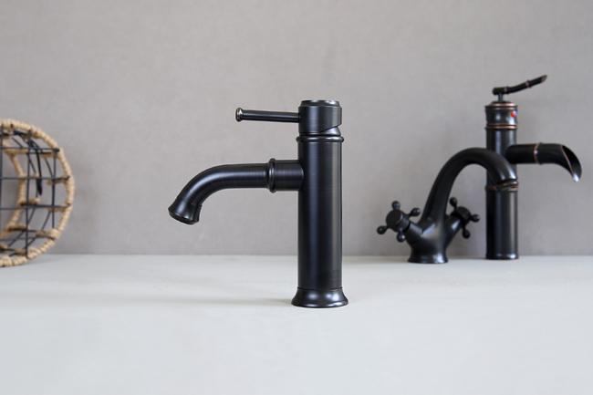 Vòi nước nóng lạnh lavabo mang phong cách tân cổ điển