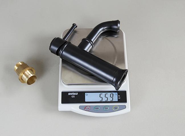 Vòi lavabo nóng lạnh GCV20B dày nặng và chất lượng tốt