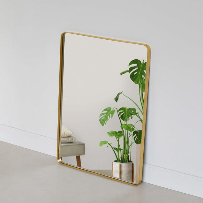 Gương chữ nhật treo tường có thể sử dụng làm: Gương trang trí phòng khách, gương treo tường nhà vệ sinh, gương treo tường phòng ngủ, gương bàn trang điểm treo tường