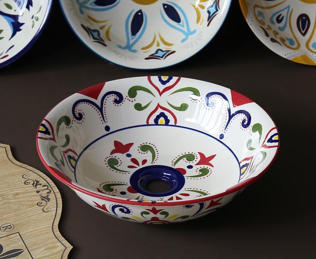 Bồn sứ rửa tay phù hợp cho không gian kiểu arts and craft, rustic, vintage