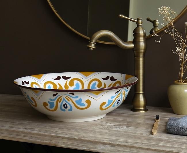 Bồn rửa mặt sứ có kiểu hoa văn mỹ thuật phong cách Hồi giáo Bắc Phi và Tây Ban Nha