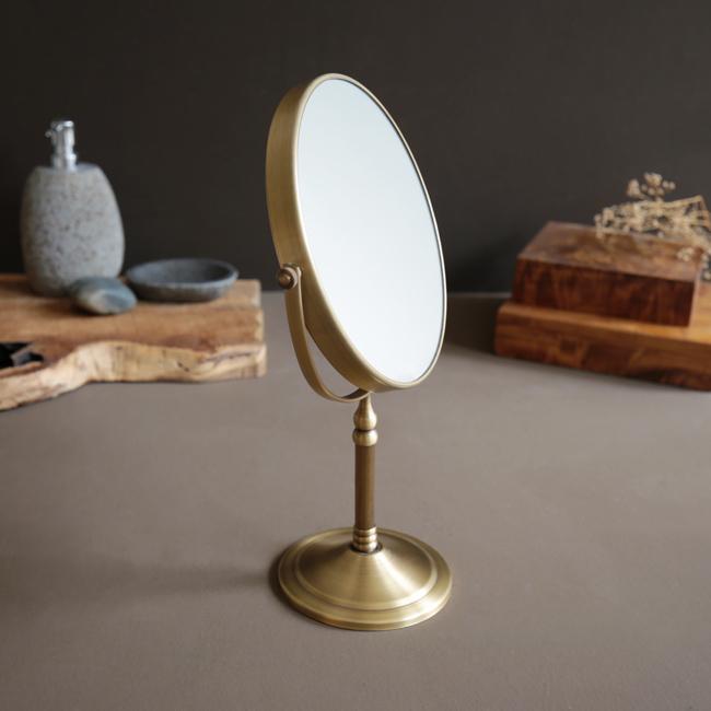 Gương 2 mặt để bàn mang phong cách mỹ thuật mộc mạc và độc đáo