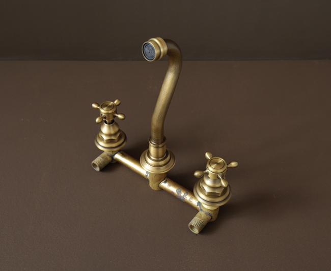 Vòi lavabo âm tường bằng đồng BLF08 bằng đồng thau đúc, có tông màu vàng đồng giả cổ độc đáo