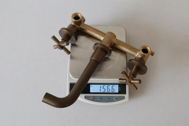 Trọng lượng dày nặng của vòi nước nóng lạnh gắn tường