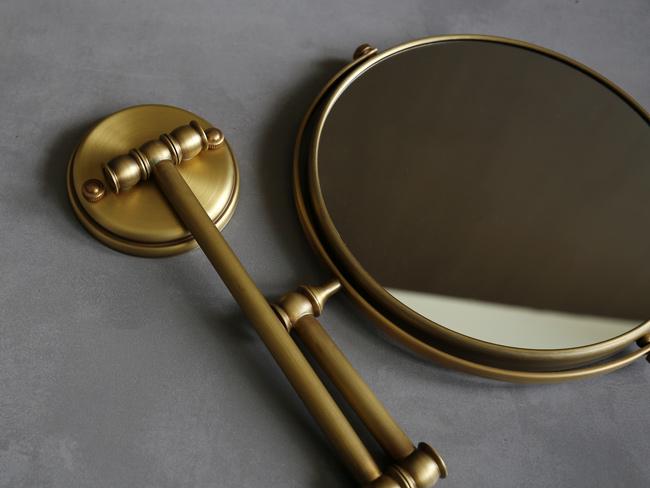 Chức năng tiện ích của gương soi mặt treo tường