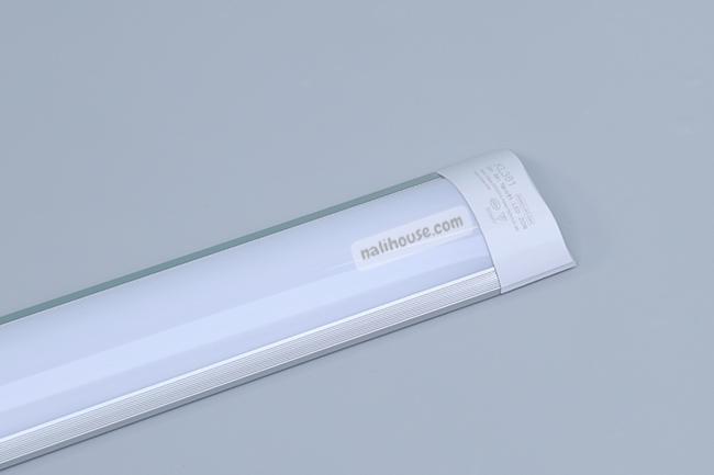 Thiết kế tròn dẹp của đèn LED bán nguyệt