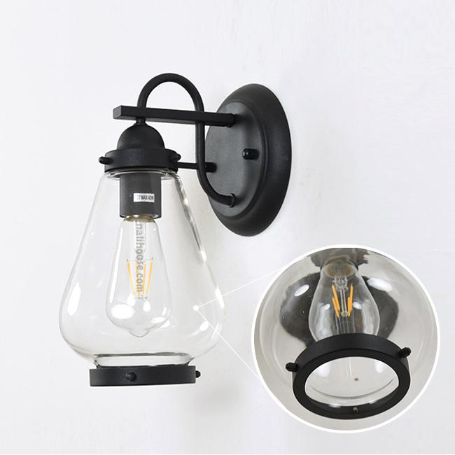 Chất liệu khung đèn bằng hợp kim nhôm và chụp đèn bằng thủy tinh trong suốt