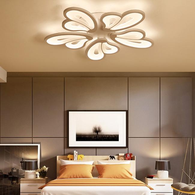 Đèn chùm trang trí phòng khách ốp sát trần hiện đại