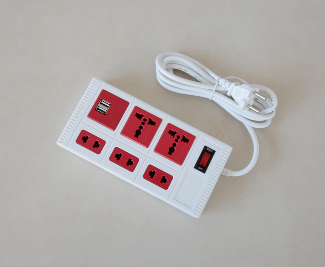 Ổ cắm điện thông minh tương thích nhiều loại phích cắm điện