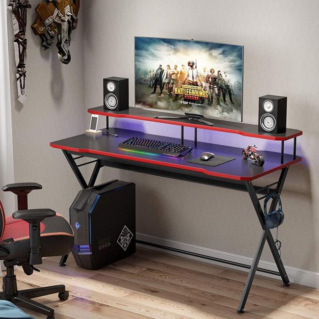 Xác định diện tích mặt bàn chơi game để đặt các thiết bị vi tính
