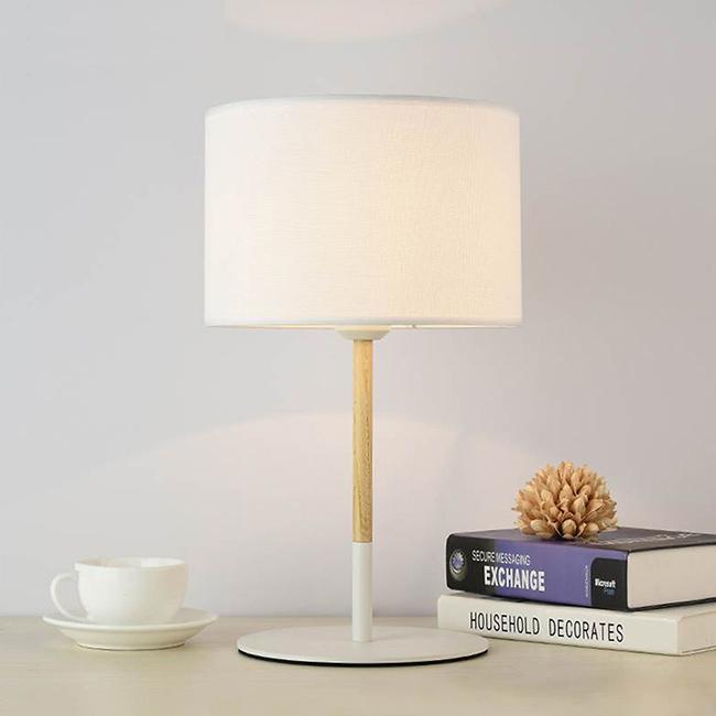 Đèn bàn phòng ngủ phong cách hiện đại, đơn giản nhưng tinh tế