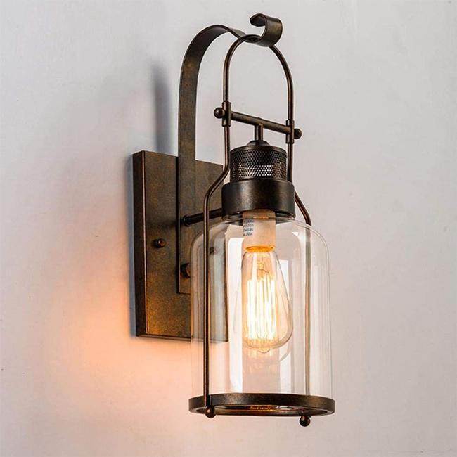 Đèn dễ dàng lắp đặt nhờ thiết kế nhỏ gọn