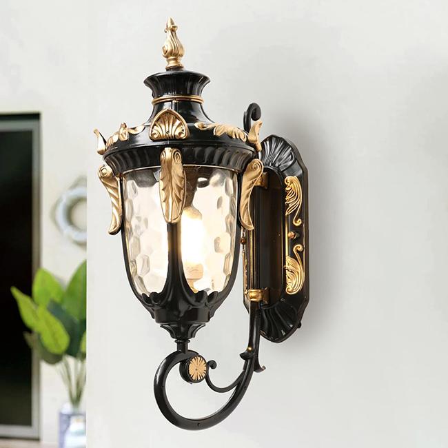 Đèn kiểu thường được dùng làm đèn trang trí ngoài trời quán cafe