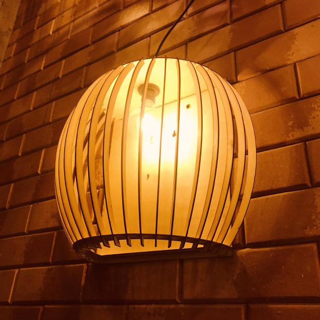 Đèn trang trí ngoài trời chống nước tốt, an toàn cho người dùng