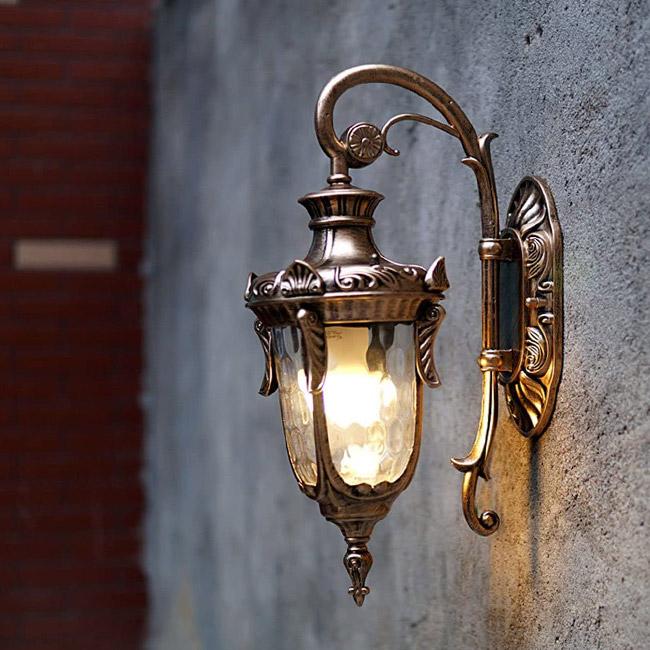 Đèn vách tường cổ điển làm từ chất liệu sắt, nhôm, đồng thau hoặc cây tre, cây trúc
