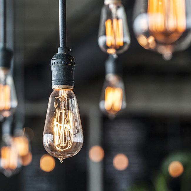 Đèn cổ nhưng sử dụng nguồn sáng LED để tiết kiệm điện năng