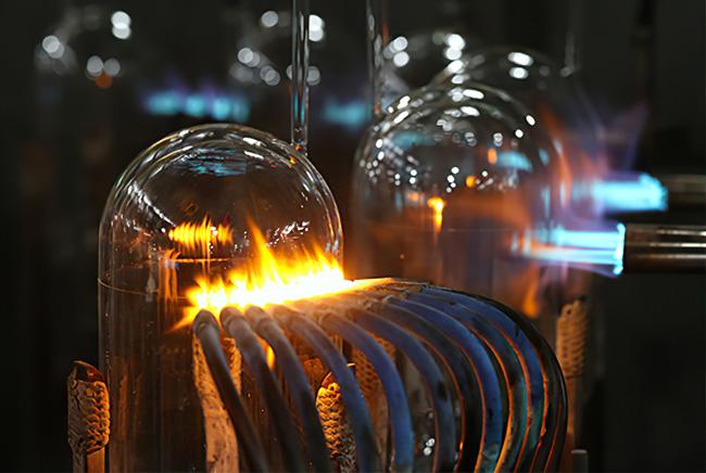 Nguyên liệu sản xuất phích nước Rạng Đông là thủy tinh, nhựa pp, nhựa abs và inox