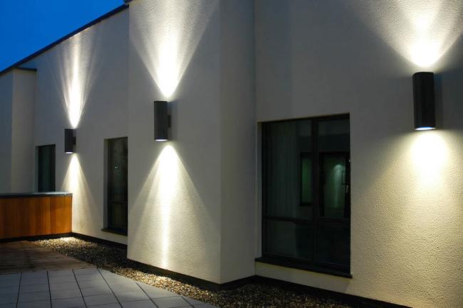 Lắp đặt đèn LED trang trí ngoài vách tường